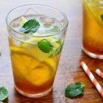 ليمونادة الليمون والشاي الأخضر