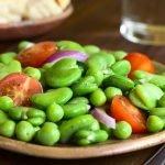 الفول الأخضر مع الثوم والكزبرة