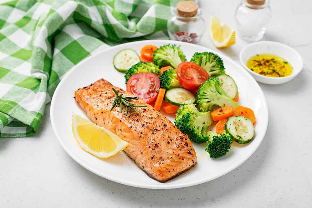 For Women with Endometriosis, Salmon Steak with Vegetables – A Healthy and Delicious Dish